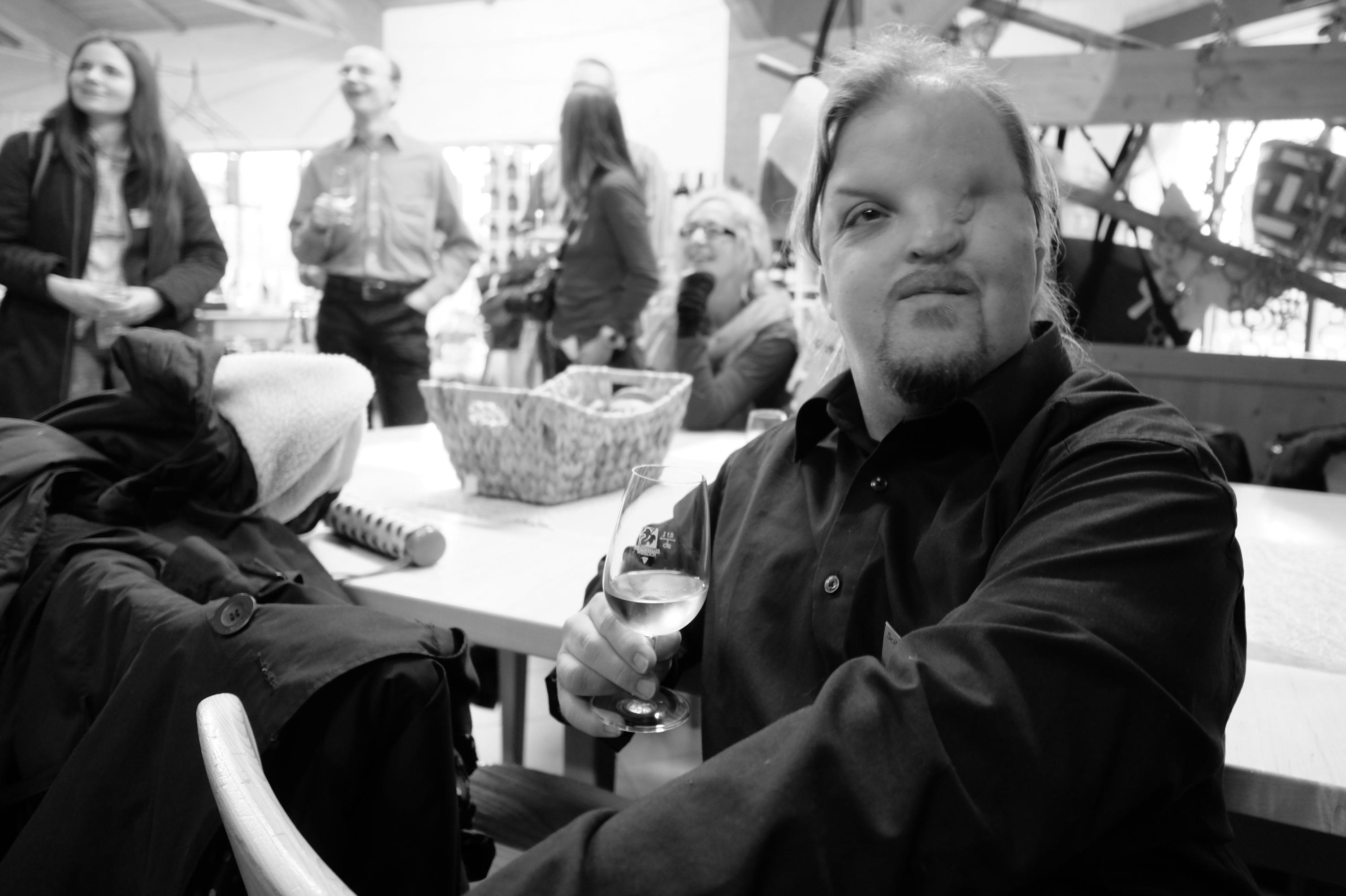 Lars mit Wein